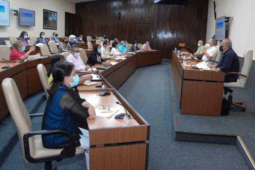 Refuerza Gobierno cubano medidas para la contención de la COVID-19 en todo el país