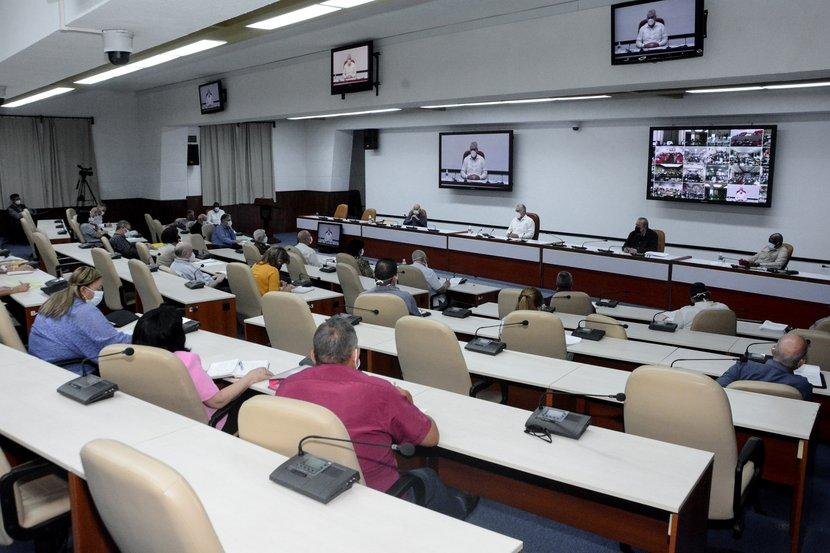 Gobierno cubano aprueba nuevas medidas para potenciar la producción de alimentos