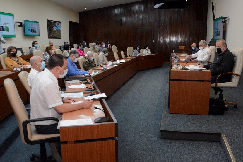Exigen más rigor en el cumplimiento de lo establecido en Cuba ante la COVID-19