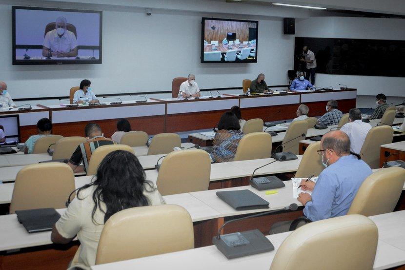 Presidente cubano llama a enfocar con integralidad la soberanía alimentaria y educación nutricional
