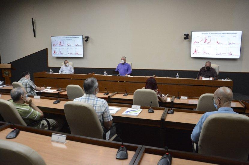 Insiste Gobierno cubano en reforzar el control ante compleja situación con la COVID-19