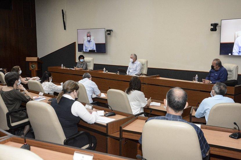 Gobierno cubano evalúa empleo de la ciencia en el sector de las comunicaciones