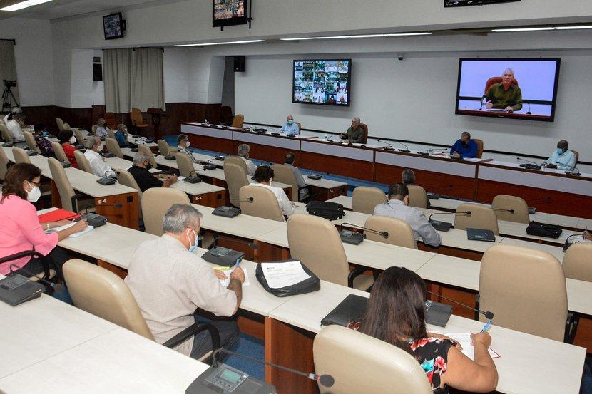 Gobierno cubano indica revisar y actualizar protocolos médicos anti COVID-19